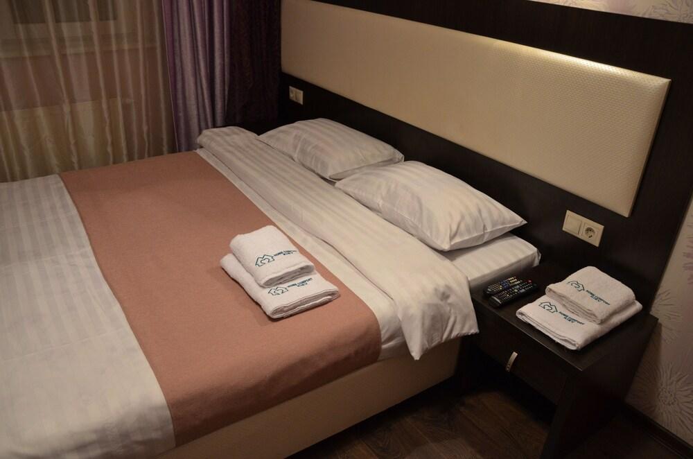Home Comfort Hotel