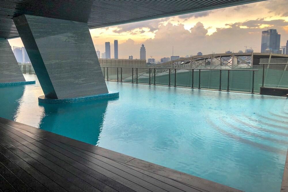 Luxury Studio Menteng Park Apartment