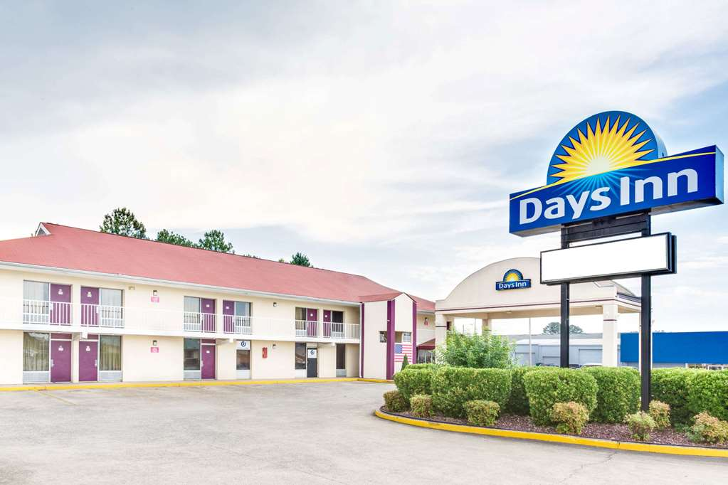 Gallery image of Days Inn by Wyndham Muscle Shoals