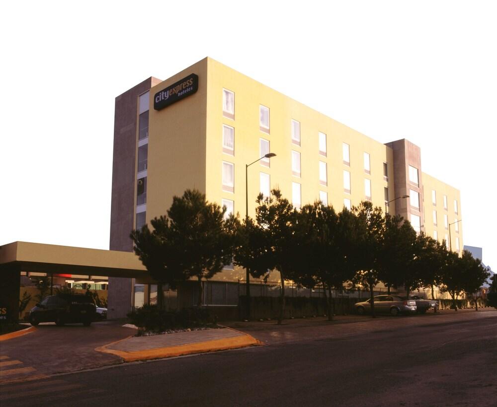 Gallery image of City Express Saltillo Norte