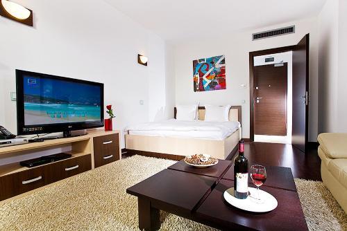 Lux Apartments Asmita