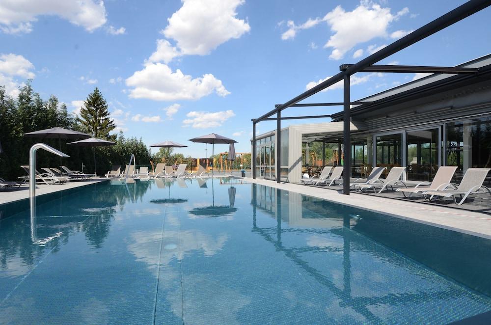 Hotel Aura Design & Garden Pool