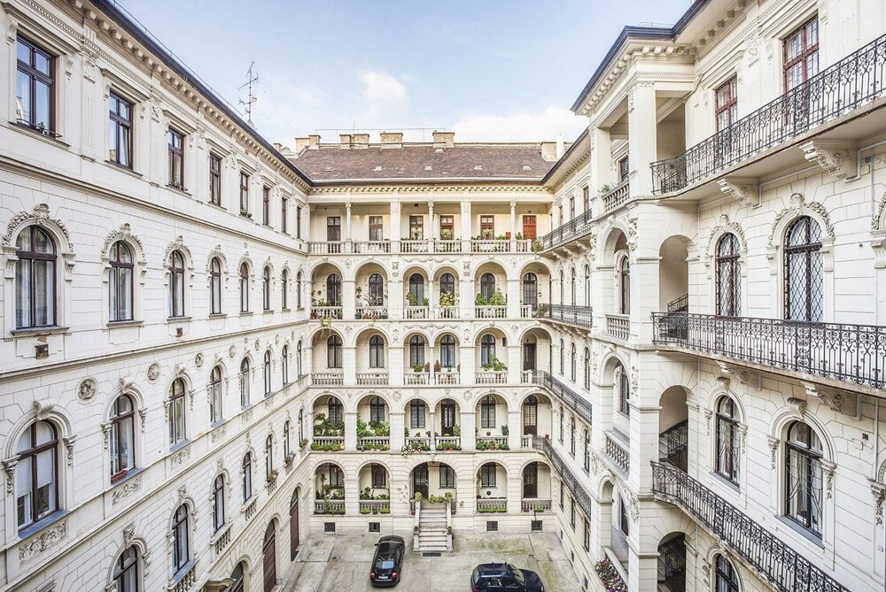 Enzo Capo Luxury Apartement