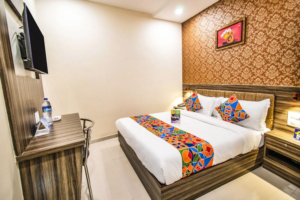 FabExpress Orange Suites Santacruz East