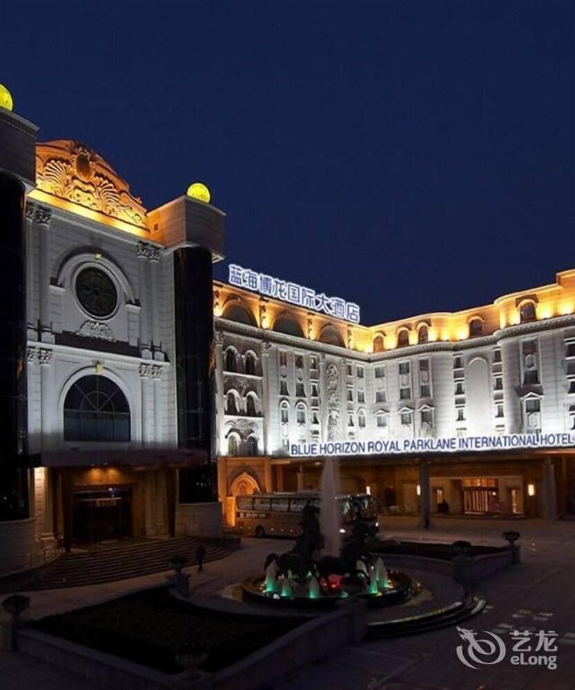 Blue Horizon Royal Parklane International Hotel