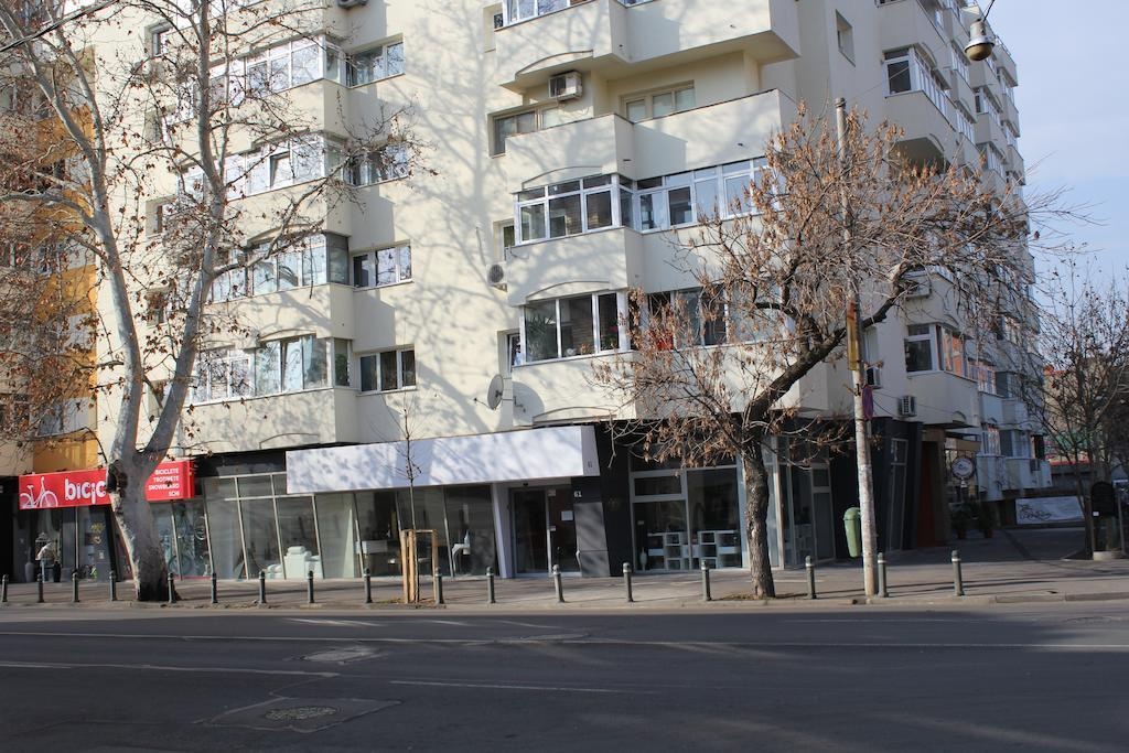 Modern studio city center