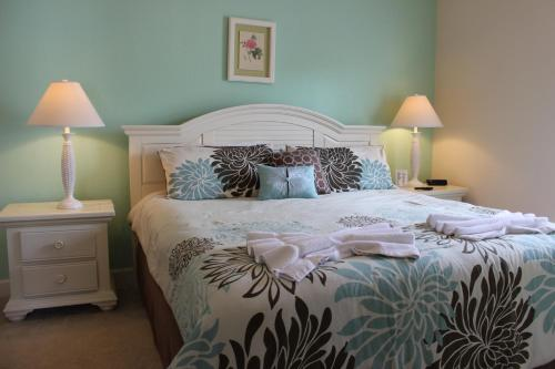 Lucaya Village Resort 4 Bedroom Vacation Townhome 1715
