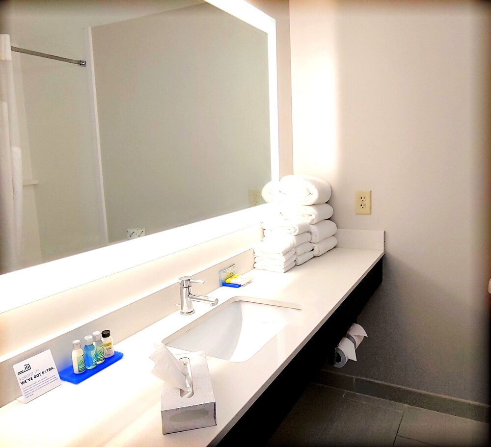 Gallery image of Holiday Inn Express & Suites Clear Spring