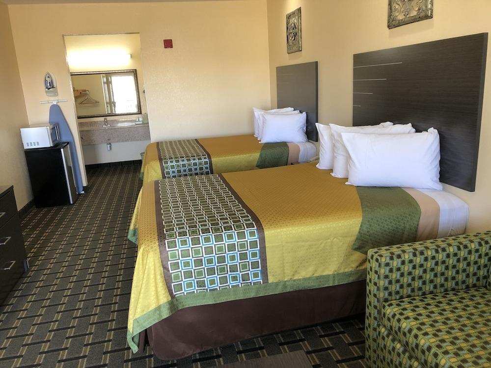 Gallery image of Homegate Inn and Suites
