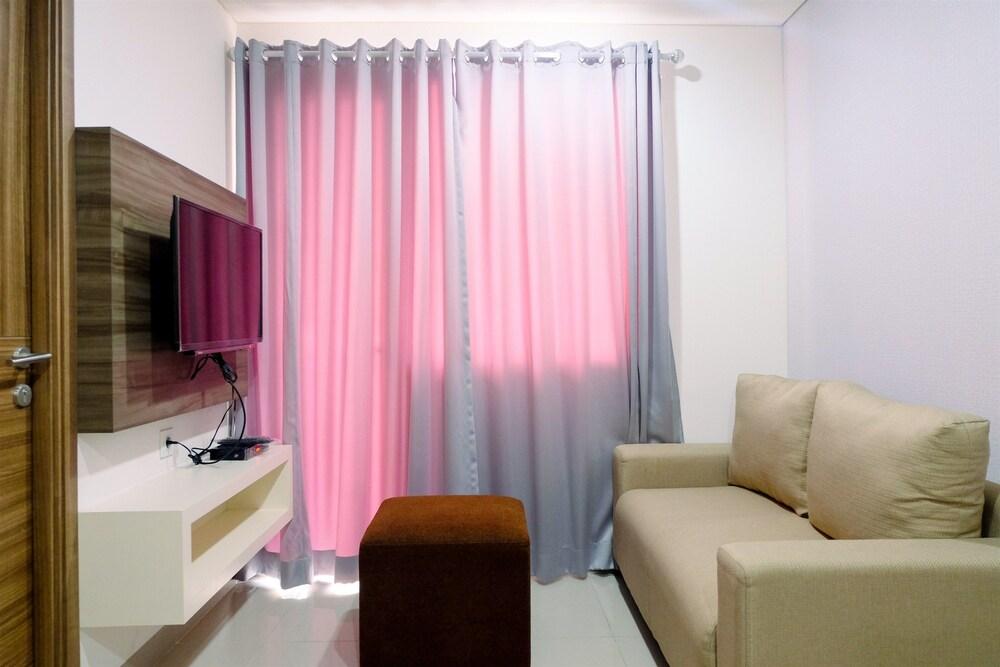 Comfy 2 Bedrooms at Grand Dhika City Apartment