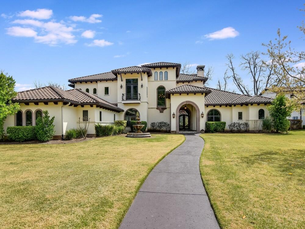 The Arrive Santa Barbara Lake Austin 5 Bedroom Estate