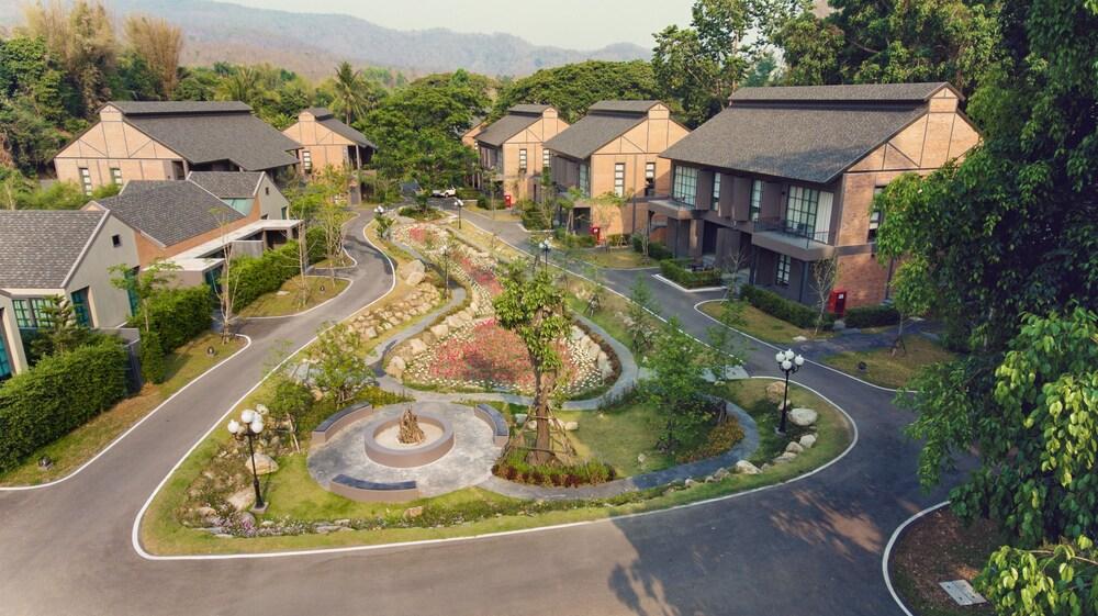 Flora Creek Resort & Garden Chiang Mai