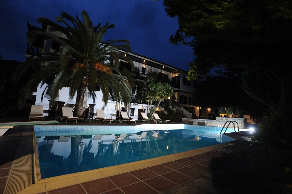Gallery image of Elli Hotel