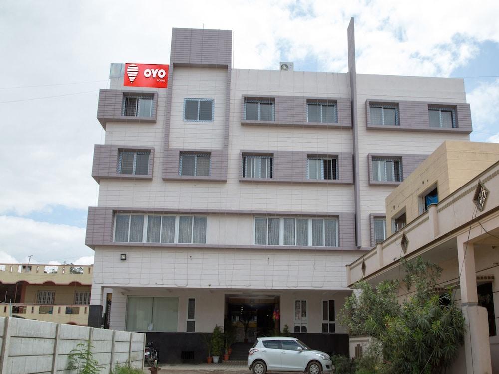 OYO 9248 Hotel Shrinidhi