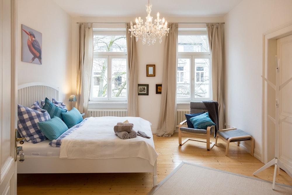 Blues & Chutney Bonn Bed & Breakfast