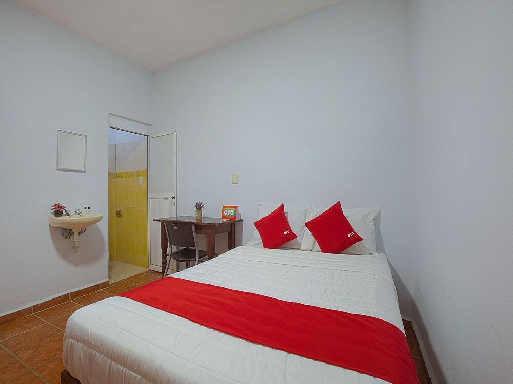 Gallery image of OYO Hotel Familiar Sosa