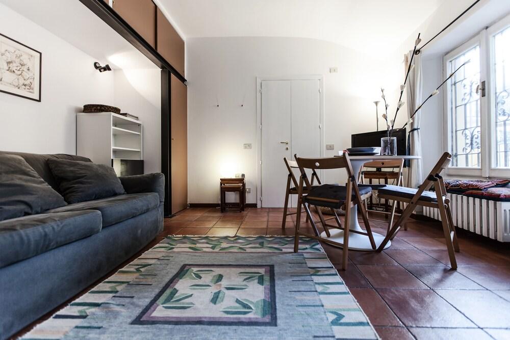 Alessi Apartment