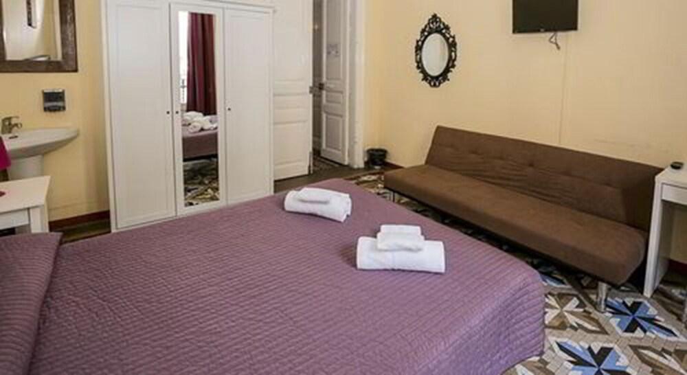Gallery image of Hostal Balmes Centro