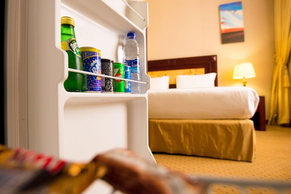Gallery image of Waves International Hotel