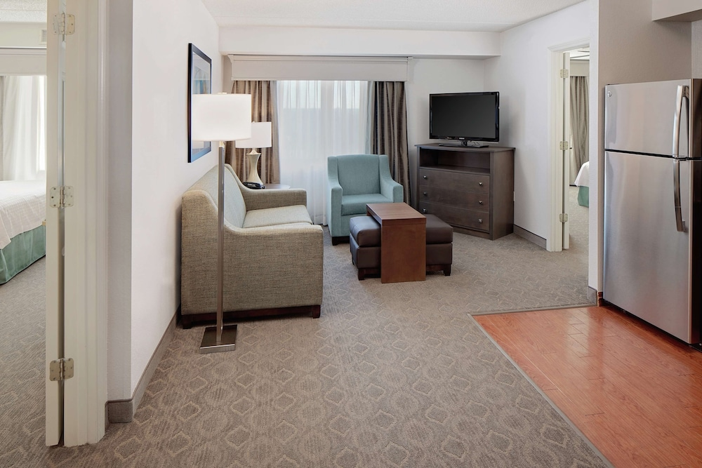 Homewood Suites Dallas Market Center