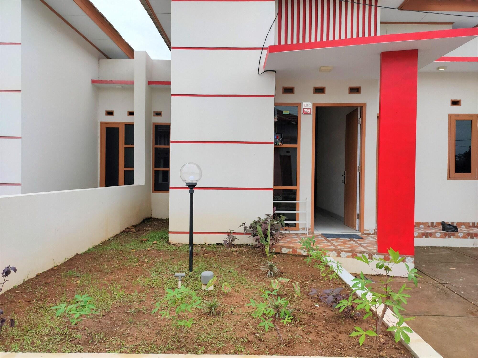 Sleep House Cirebon Homestay