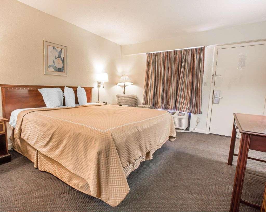 Gallery image of Econo Lodge Thomson