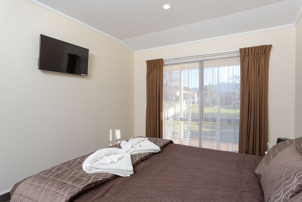 Gallery image of Equestrian Lodge Motel