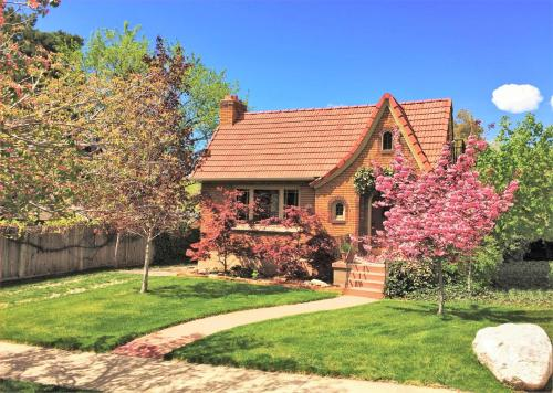 6 Bedroom Tudor in the Downtown Historic District