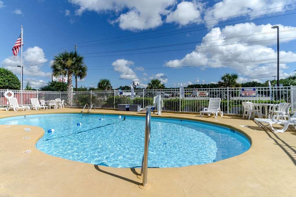 Gallery image of Rodeway Inn & Suites Jacksonville near Camp Lejeune