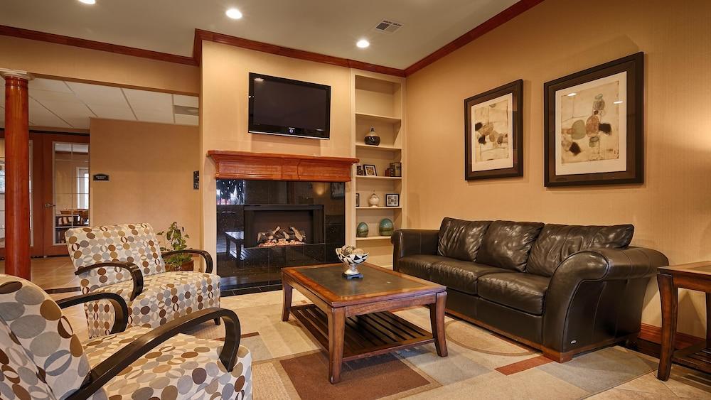 Best Western Cleveland Inn & Suites
