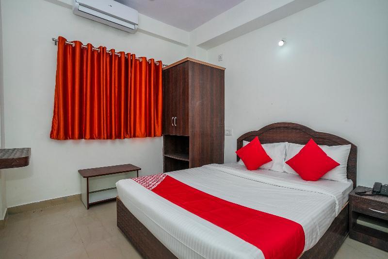 Gallery image of Oyo 30686 G K Residency