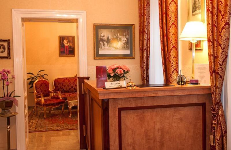 Opera Suites (اوپرا سوئیتس) Room