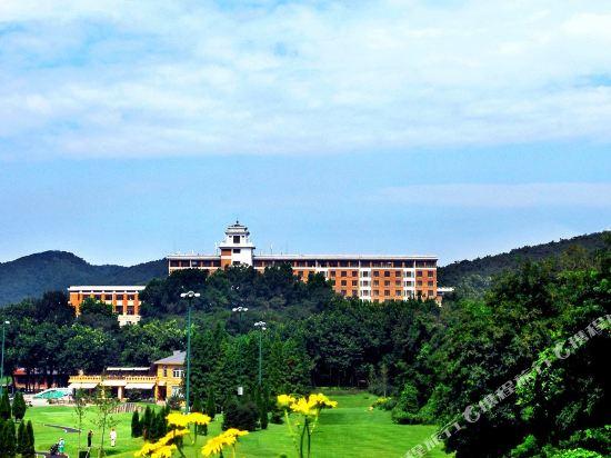 Bangchui Island Hotel