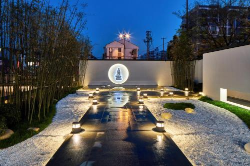 Shiwei Jade Stone Hotel