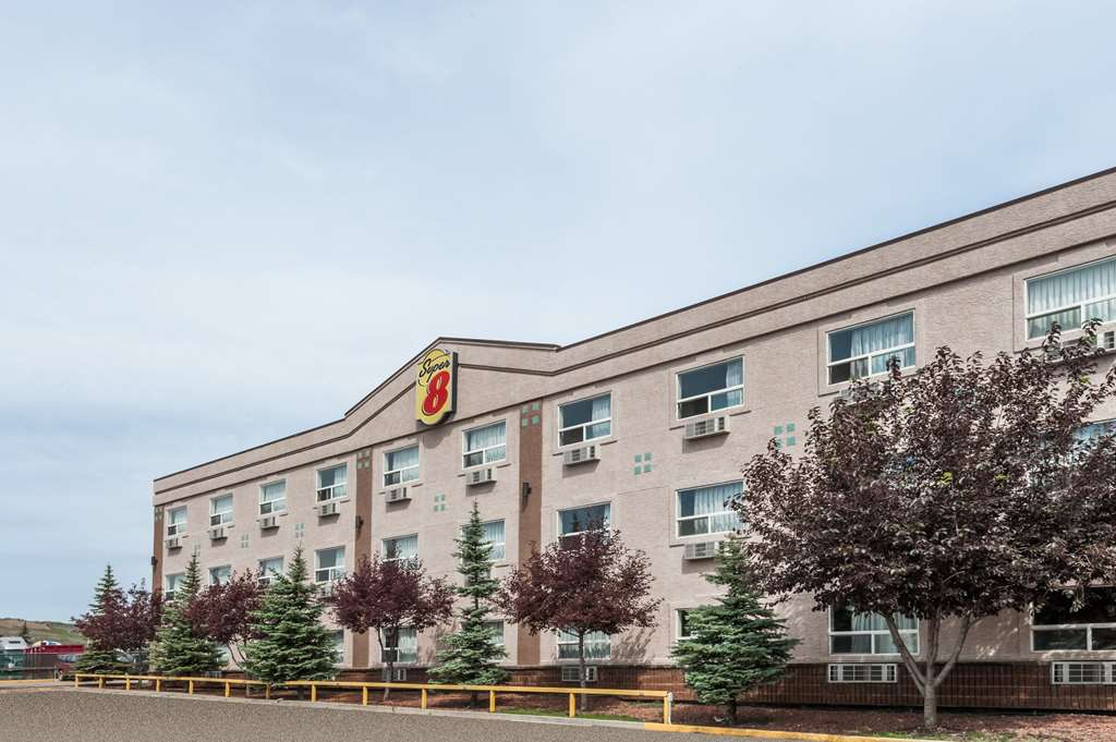 Super 8 Edmonton West
