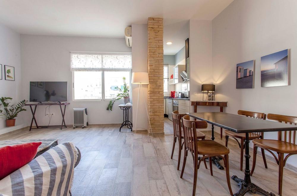 Valencia Flat Rental Apartment City Center Ruzafa Sumsi