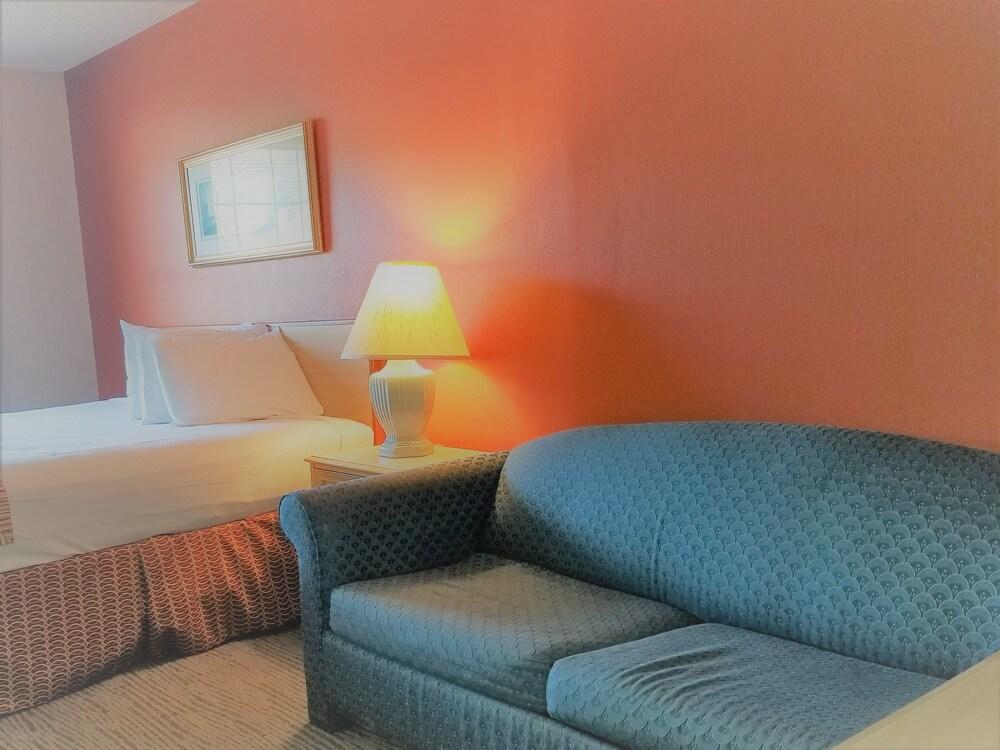 Gallery image of Hospitality Inn