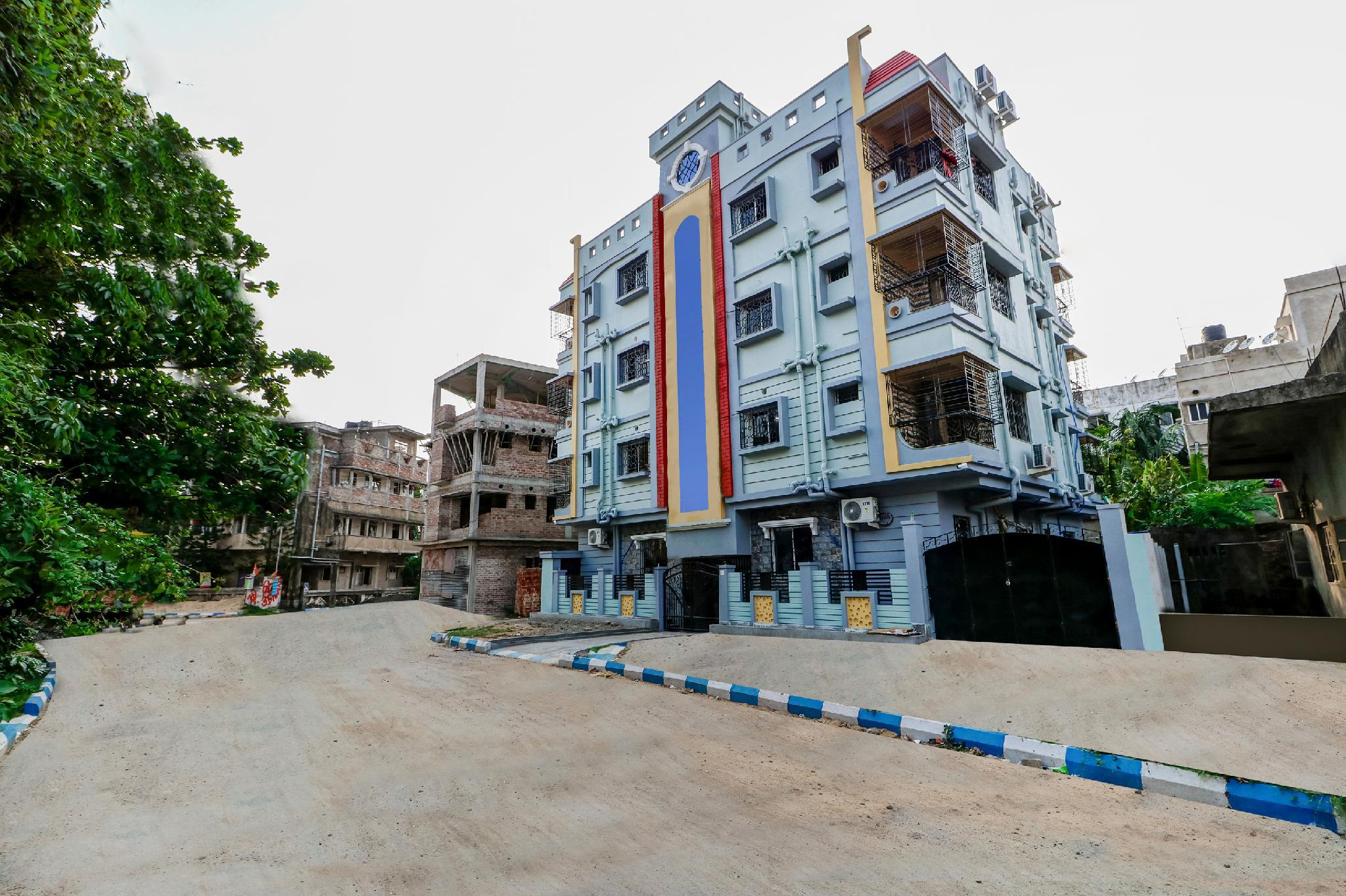 OYO 36480 Vibrant Near Medica Hospital in Kolkata