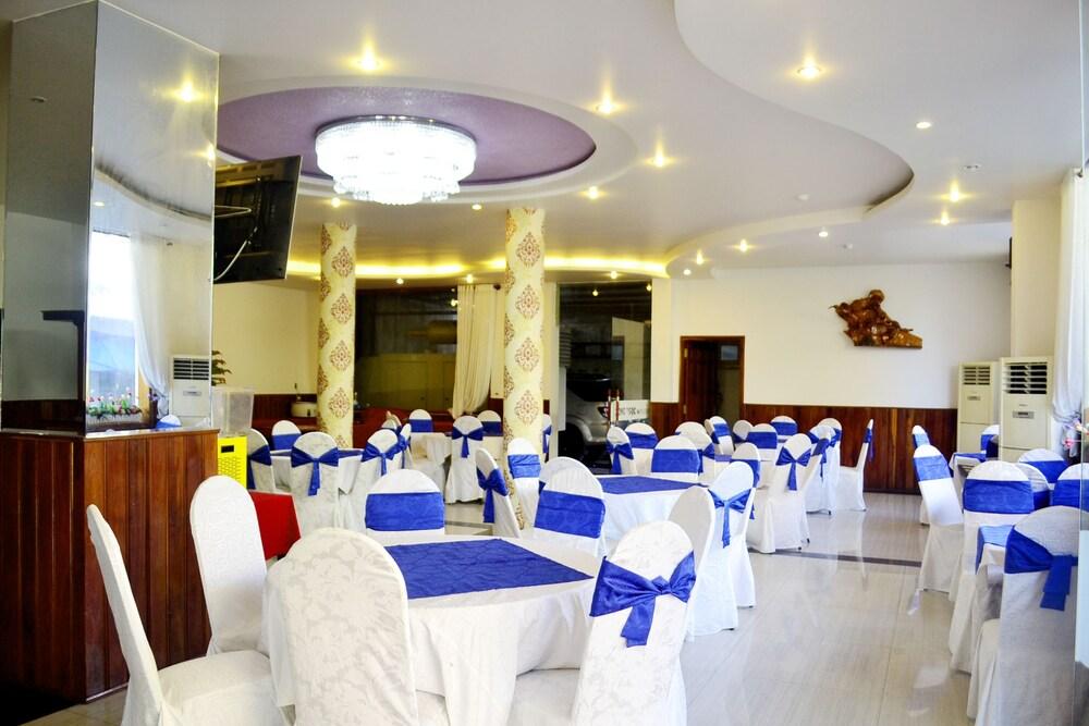 Gallery image of Hong Ngoc Hotel