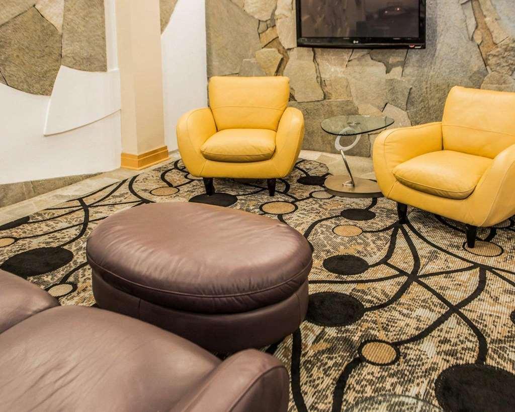 Gallery image of Comfort Suites Monroeville
