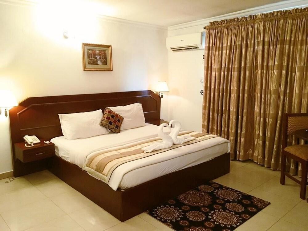Gurunar Guesthouse Ikoyi