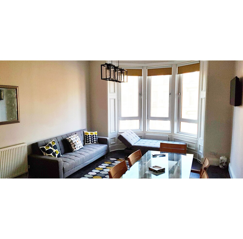 Glasgow South side City Apartment