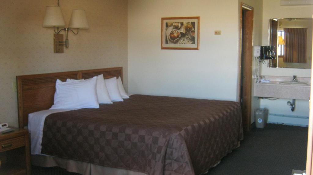 Gallery image of Americas Best Value Sundowner Motel