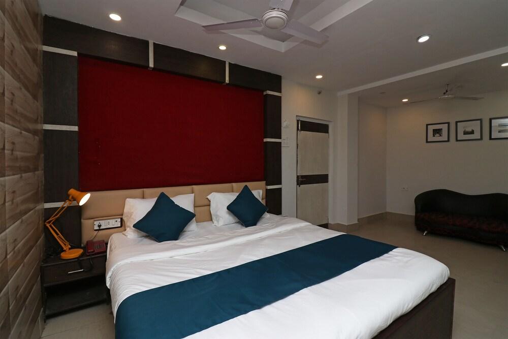 SilverKey Executive Stays 30334 Jaan Nagar Road