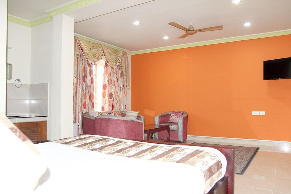 Gallery image of OYO 23736 Royale Suites And Apartments