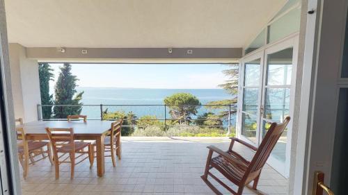 VILLA IGNATIUS Costal Road Trieste 8guests sea view private parking