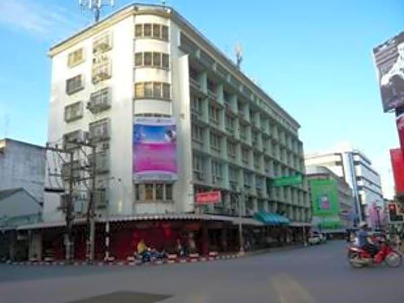 Laem Thong Hotel