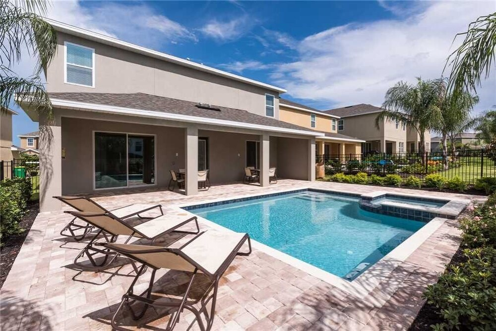Reunion Holiday Escape 10 Bedroom Home with Private Pool