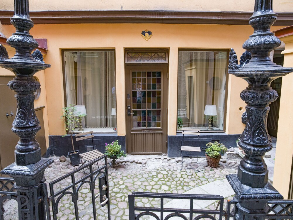 Cute Studio Apartment in Old Town