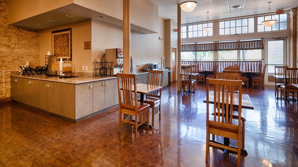 Gallery image of Best Western Plus Sunset Suites Riverwalk
